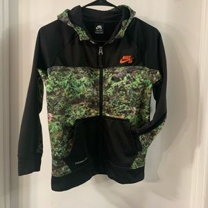 NIKE SB Therma-Fit Youth Hoodie Size M (10-12yrs)